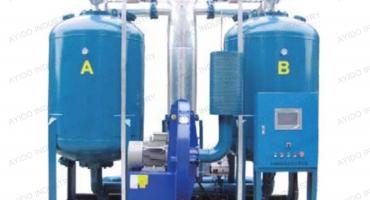 Heated blower desiccant air dryer